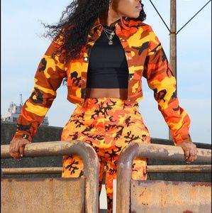 8fba5dc3bdb19 PrettyLittleThing Jackets & Coats - PLT PrettyLittleThing cropped camo  jacket